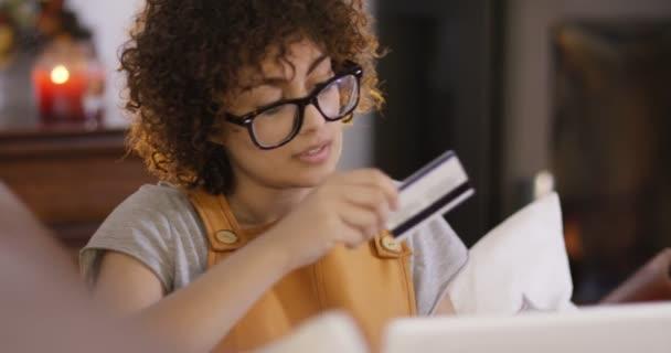 nő, vásárlás, online