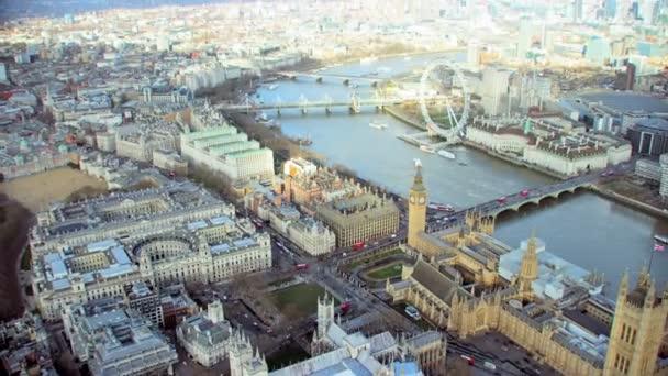Londýn února 2017-4k panoramatickým letecký pohled, londýnské panoráma s některými z nejznámějších zajímavostí města včetně London Eye a Westminsterského