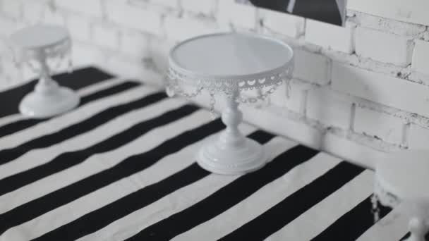 Black and White Decor of the Festive Table