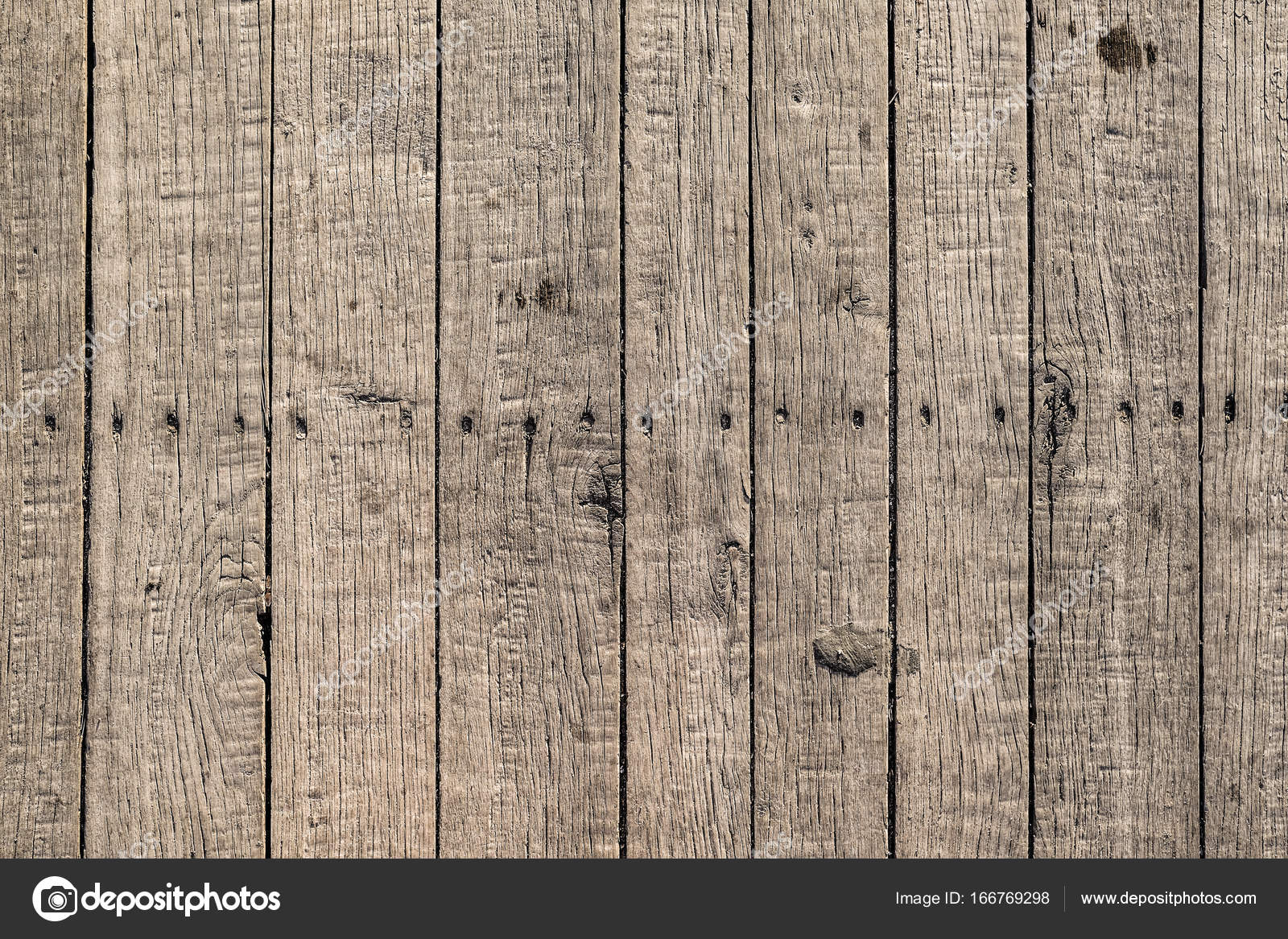 Assi Di Legno Grezze : Assi di legno grezzi u2014 foto stock © gekaskr #166769298
