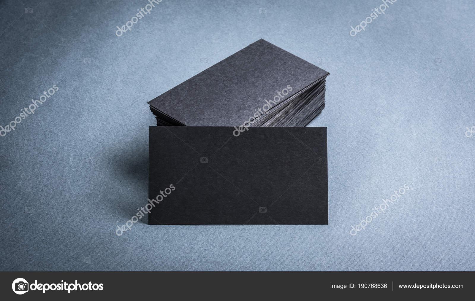 Modele De Carte Visite Papier Noir Sur Fond Gris Vierge Pour Lespace Texte Image GekaSkr