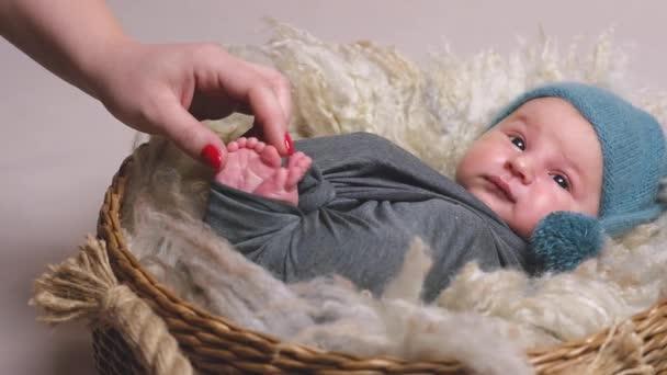 Matka dítě dojemné novorozenců