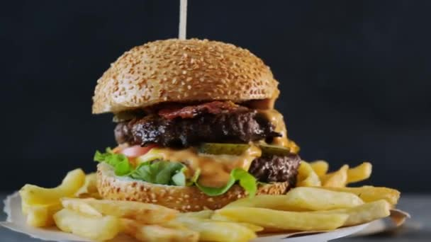 Burger s hranolkama