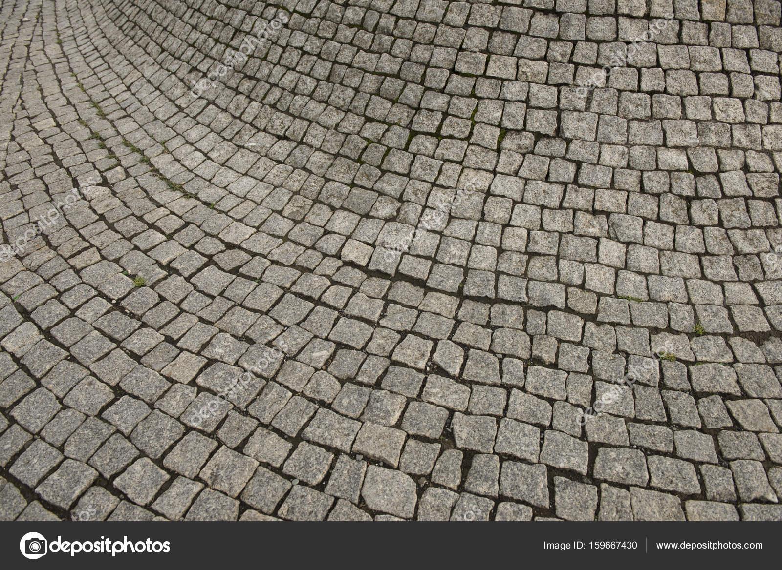 Tegels Voor Buiten : Cement tegels gebogen naar buiten in een verdikking u2014 stockfoto