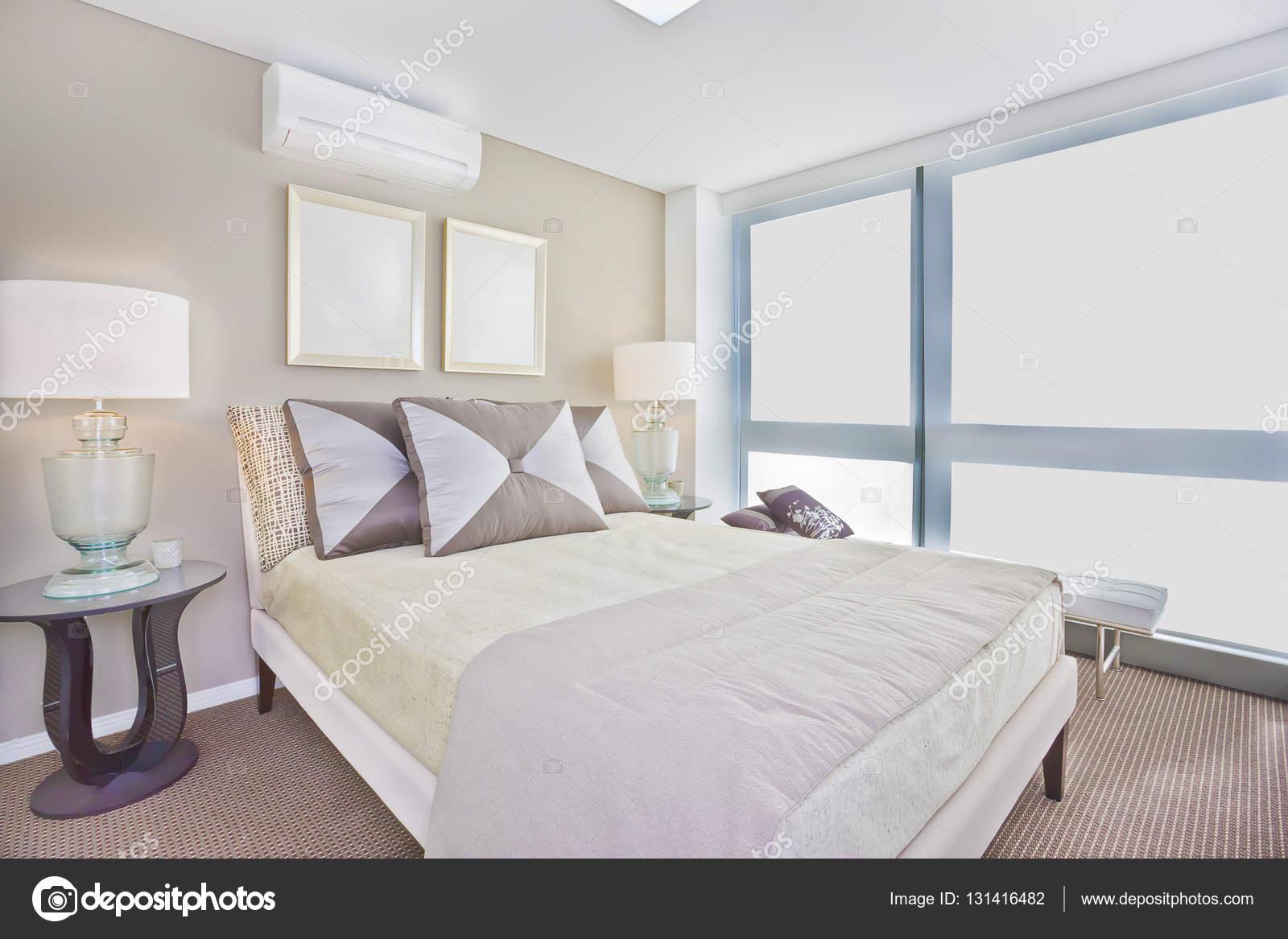 Lusso interno camera da letto con letto singolo moderno incluso ...