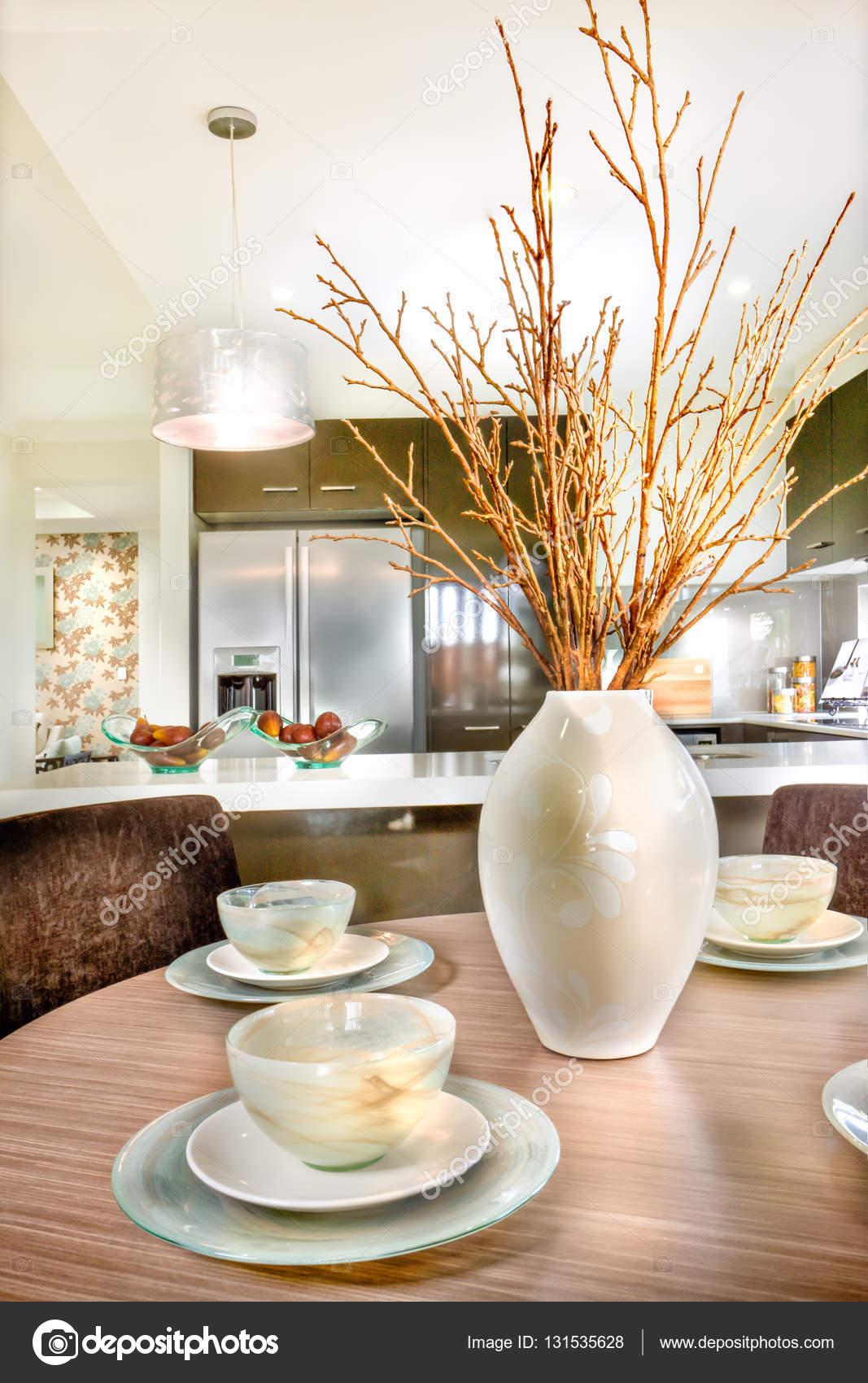 Ronde houten eettafel trendy ronde eettafel ronde for Decoratie op eettafel