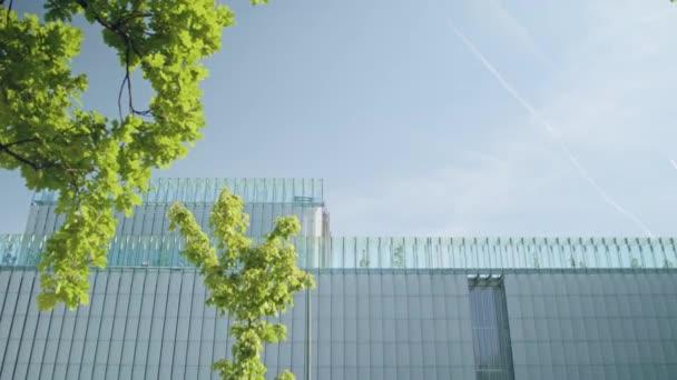 Top moderní budovy