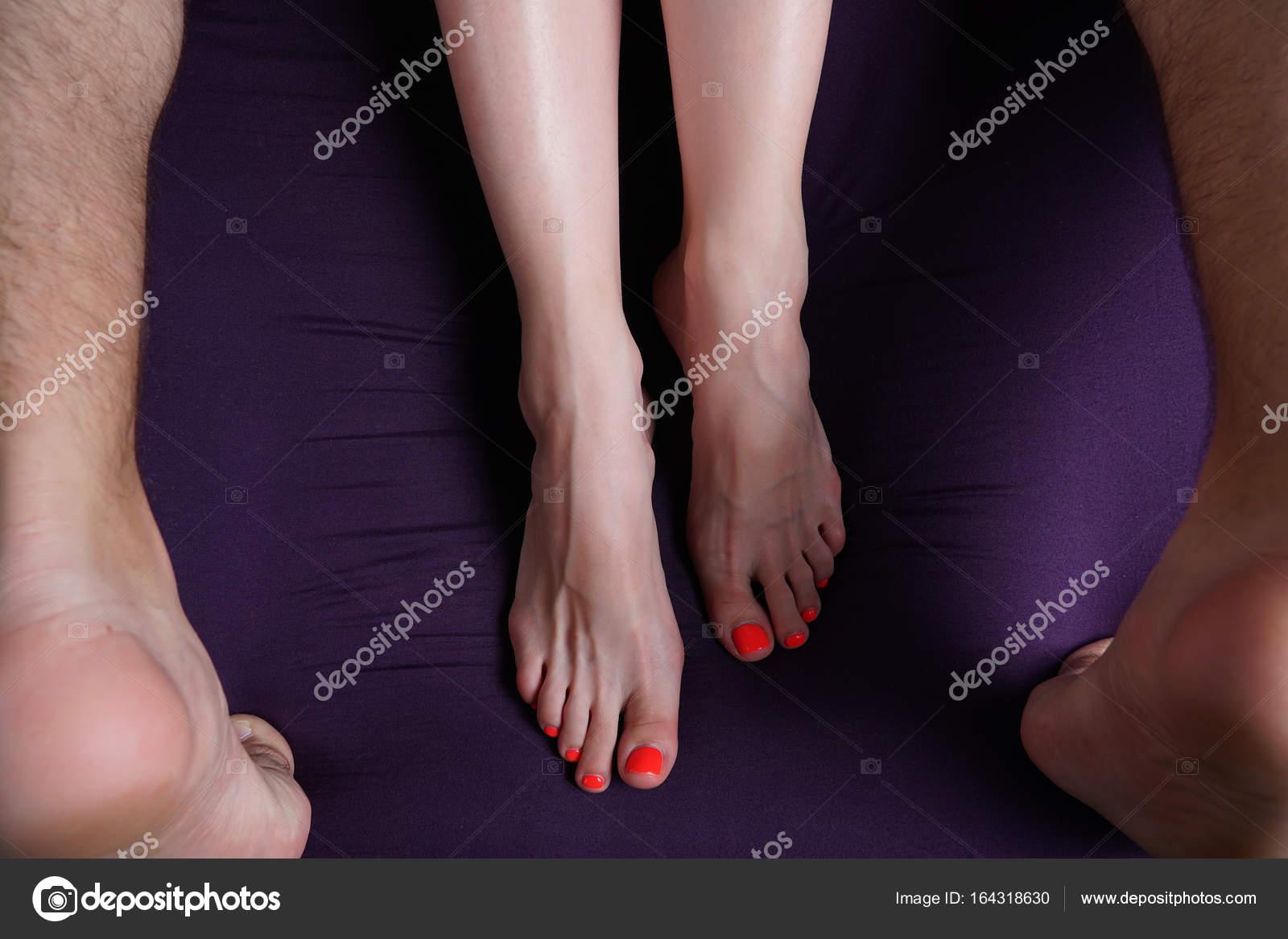 Красотку с длинными ногами крепко трахают, фотоальбомы подсмотренные ножки девушек в транспорте