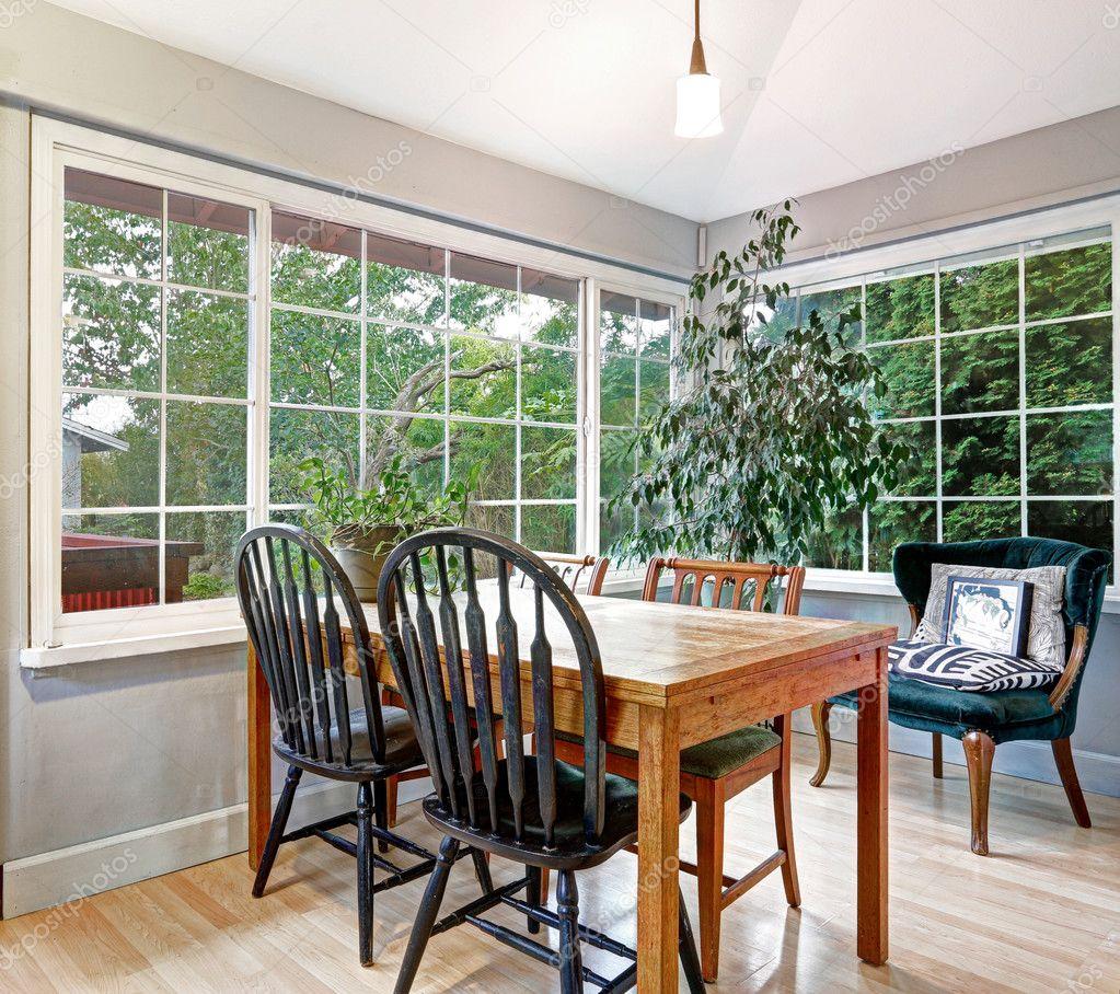 Cozy Summer Room With Dining Table Set U2014 Fotografia De Stock