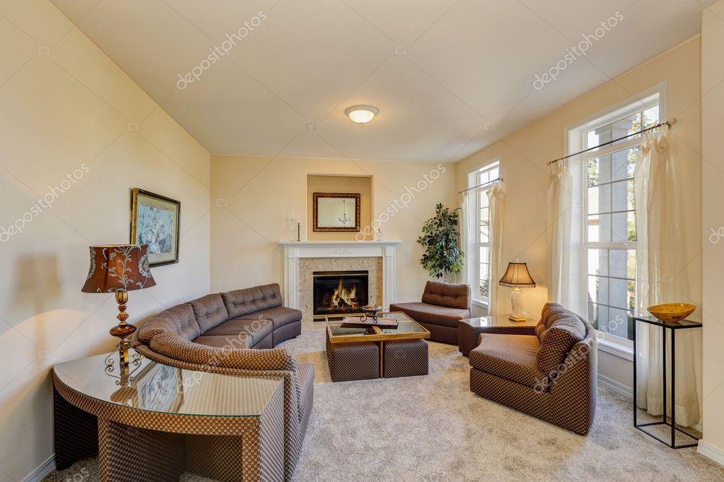 Elegant Family Room Interior With Peach Colored Walls U2014 Stock Photo