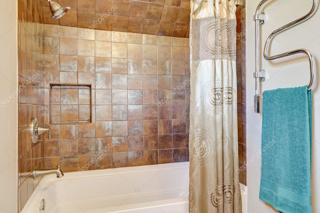 Close Up Of Shower With Natural Stone Tile Wall Trim U2014 Stock Photo