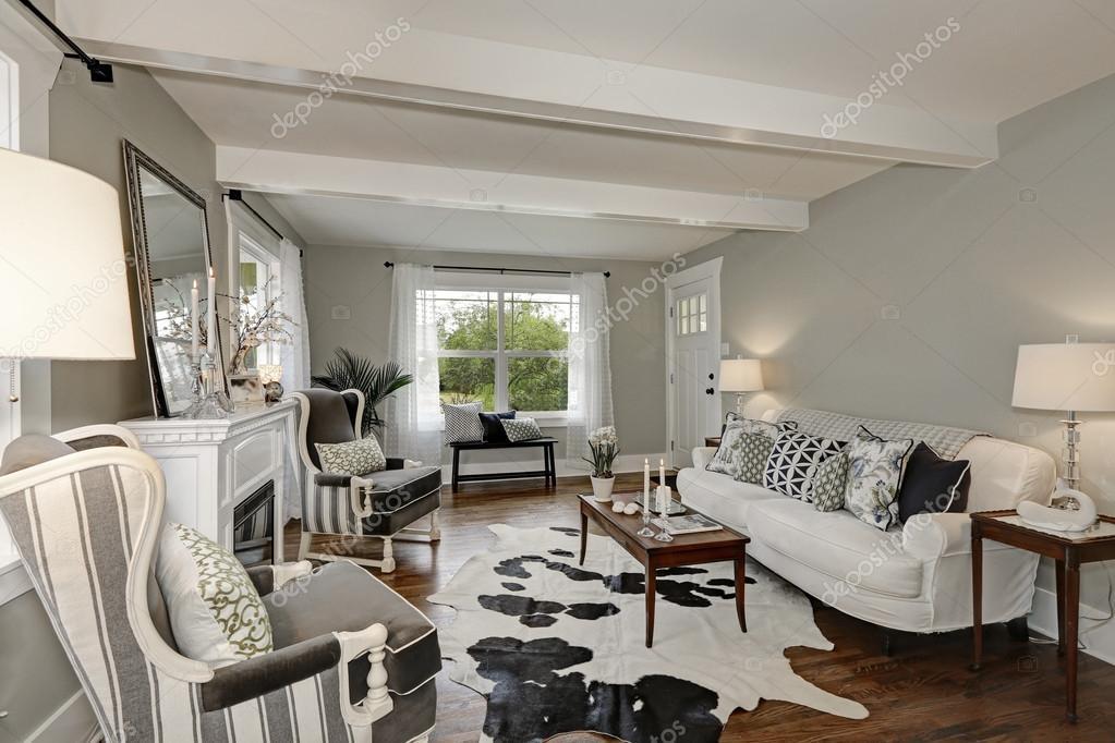Zwart-wit interieur van luxe woonkamer — Stockfoto © iriana88w ...