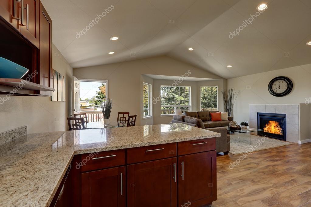 Open Space al piano della cucina, Sala da pranzo e salotti ...