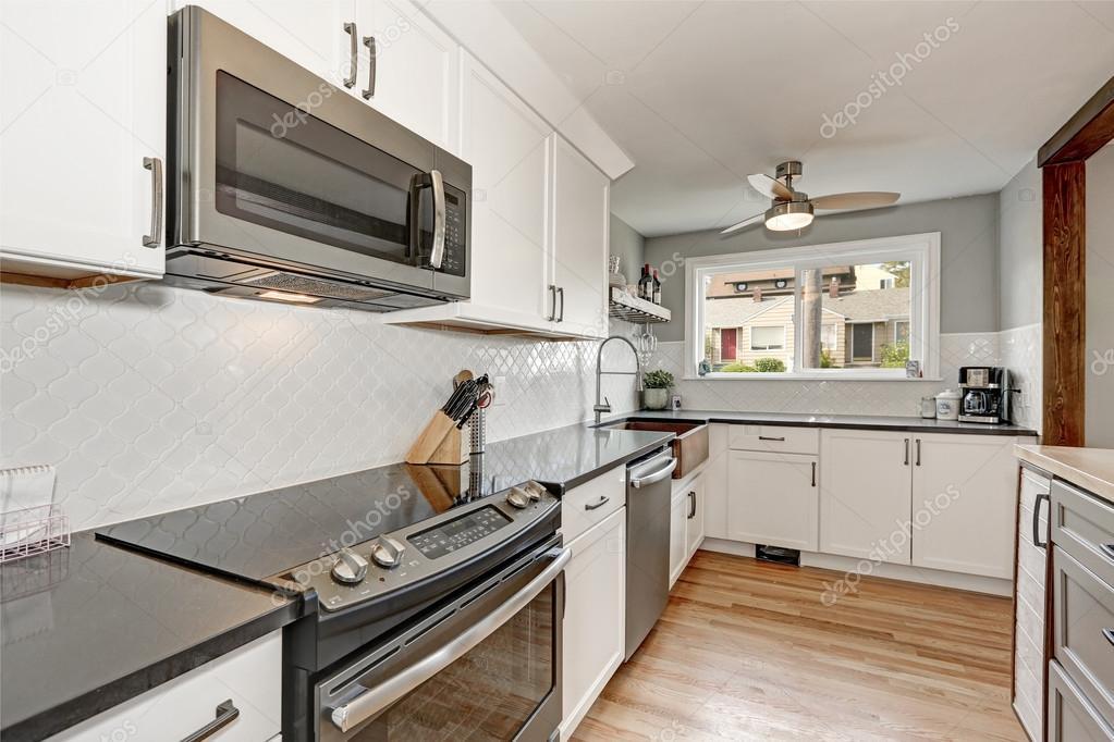 Wnętrza Pokoju Kuchnia Biała Z Szarym Szczegóły Zdjęcie