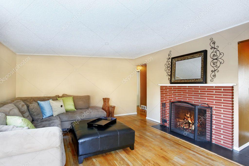 Fußboden Aus Leder ~ Familienzimmer interieur mit hartholz fußboden u2014 stockfoto