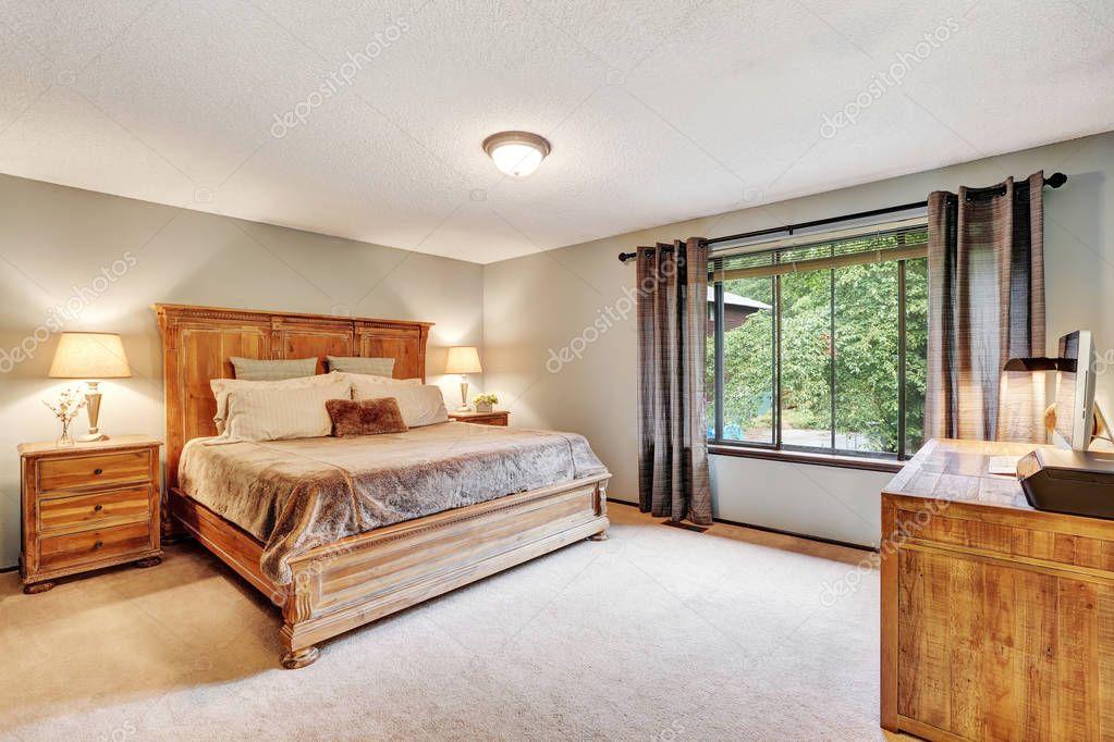 Intérieur américain chambre à coucher avec lit queen size et un
