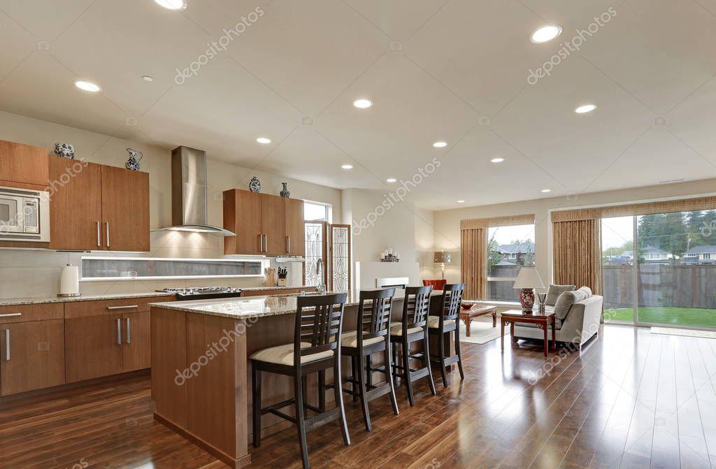 Interiore moderno luminoso open space cucina camera — Foto Stock ...