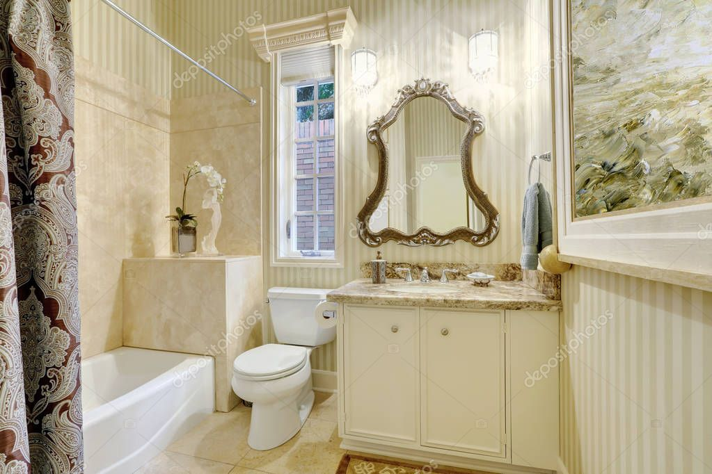 Warme Rustieke Badkamer : Victoriaanse stijl master badkamer in warme romige tinten