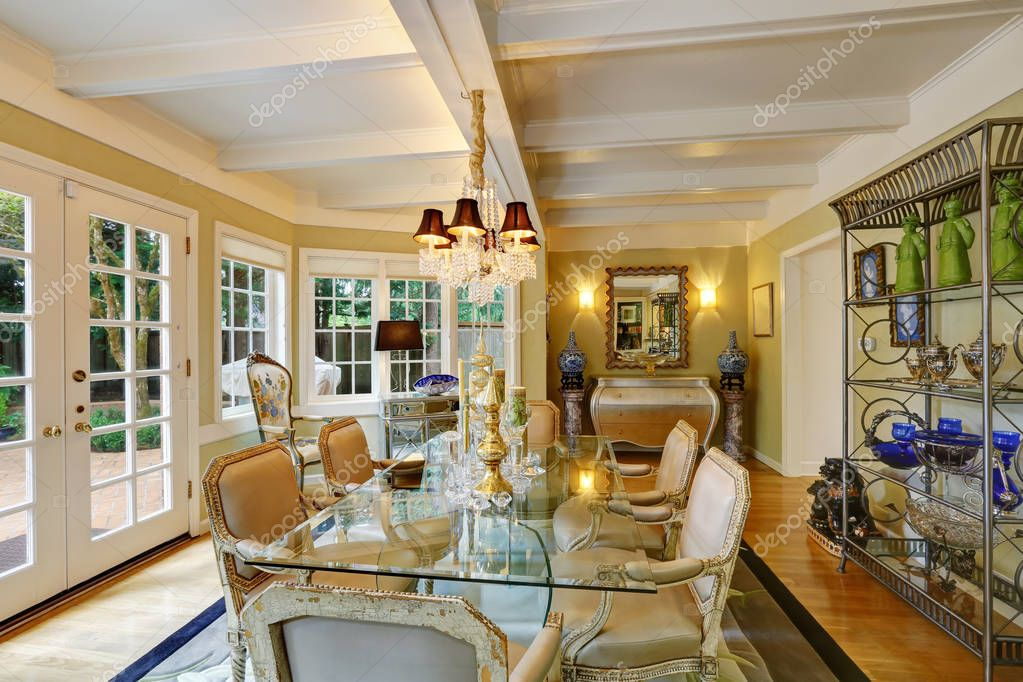 Lovely victorian style dining room interior — Stock Photo ...
