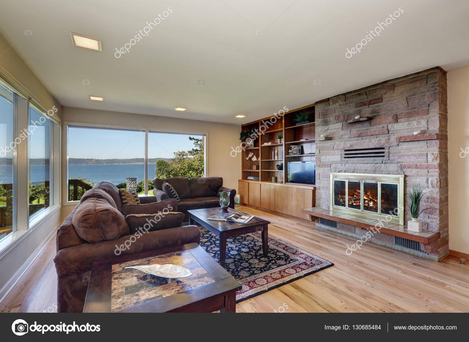 Interieur van de mooi ingerichte woonkamer — Stockfoto © iriana88w ...
