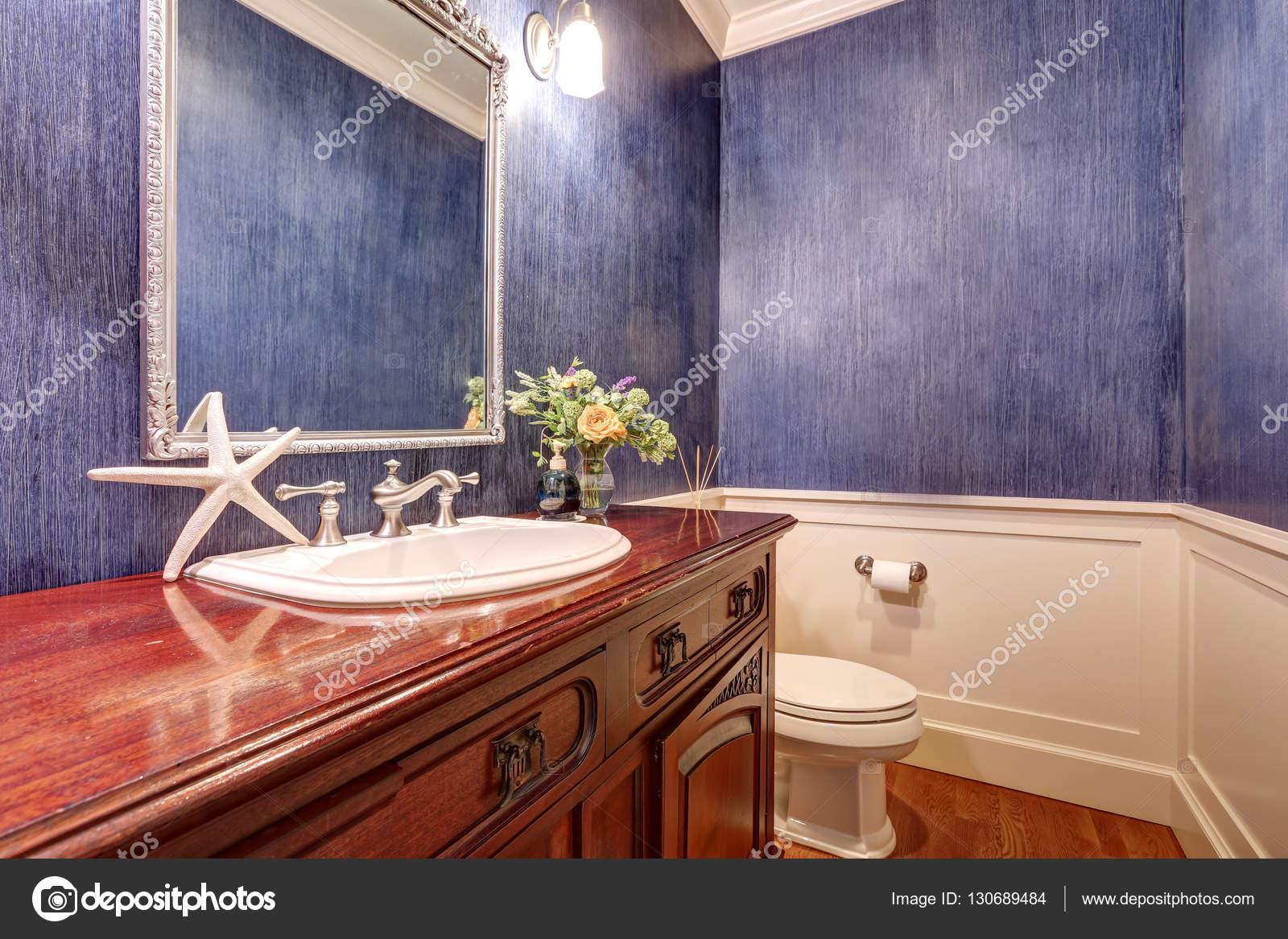 Niebieskie ściany łazienki Wnętrze Z Mahoniu łazience Szafka