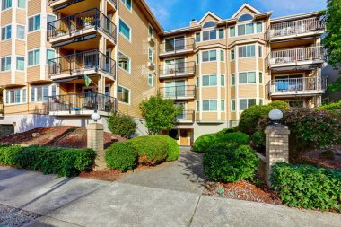 Exterior of apartment house complex in Seattle.