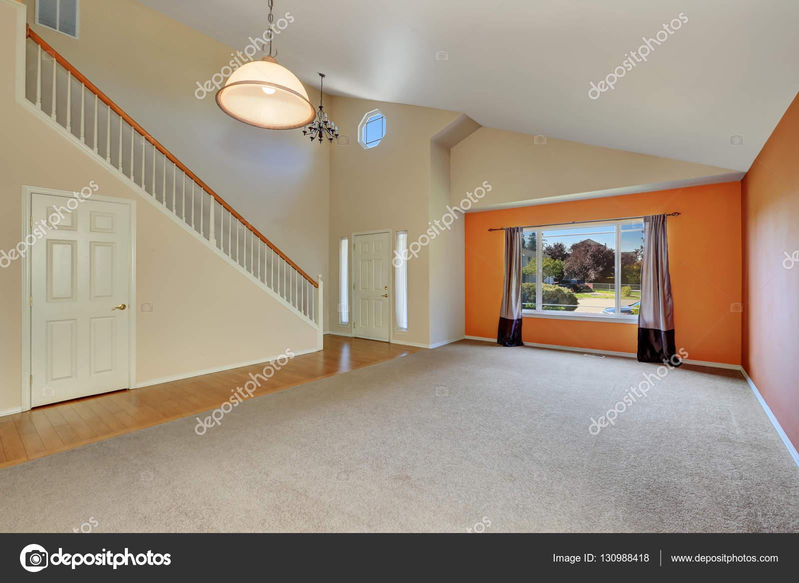 Leeg interieur van een nieuw leuk, schoon huis — Stockfoto ...