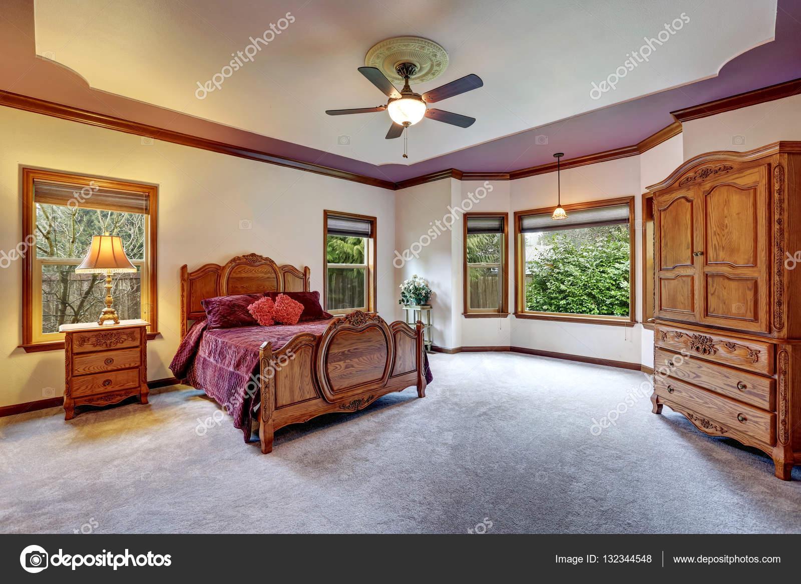 Slaapkamer Meubels Set : Slaapkamer interieur met antieke meubelen set u stockfoto