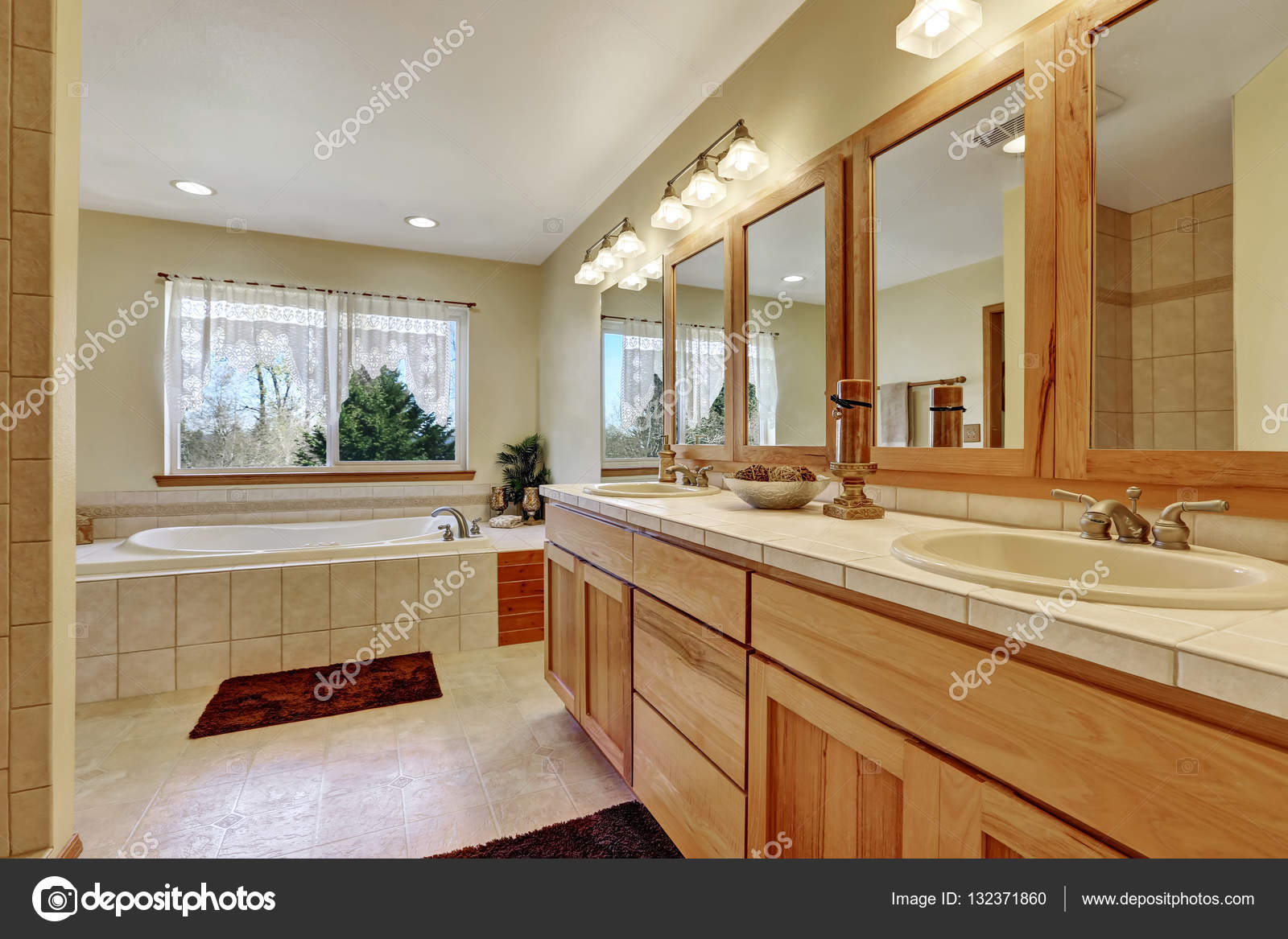 sneakers for cheap 5f5a6 db6b0 Close up of long double sink bathroom vanity — Stock Photo ...