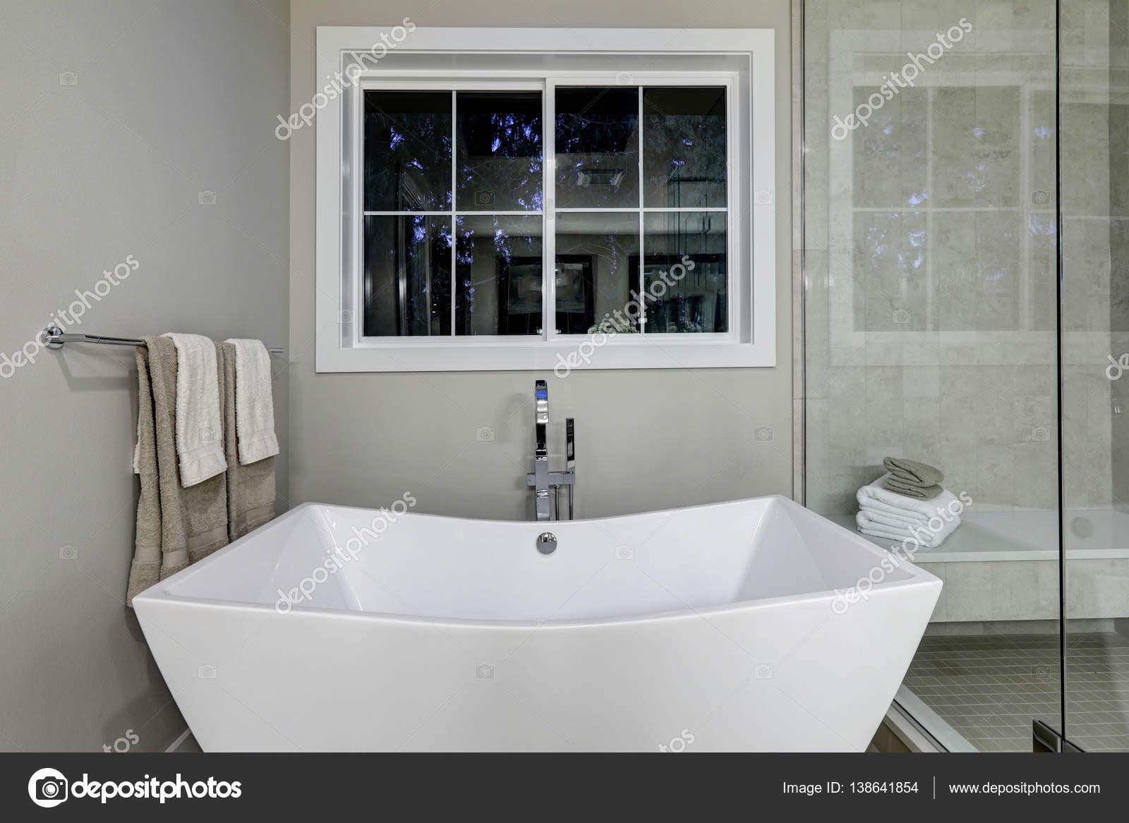 Badkamer Vrijstaand Bad : Badkamer steenbergen badkamer met vrijstaand bad