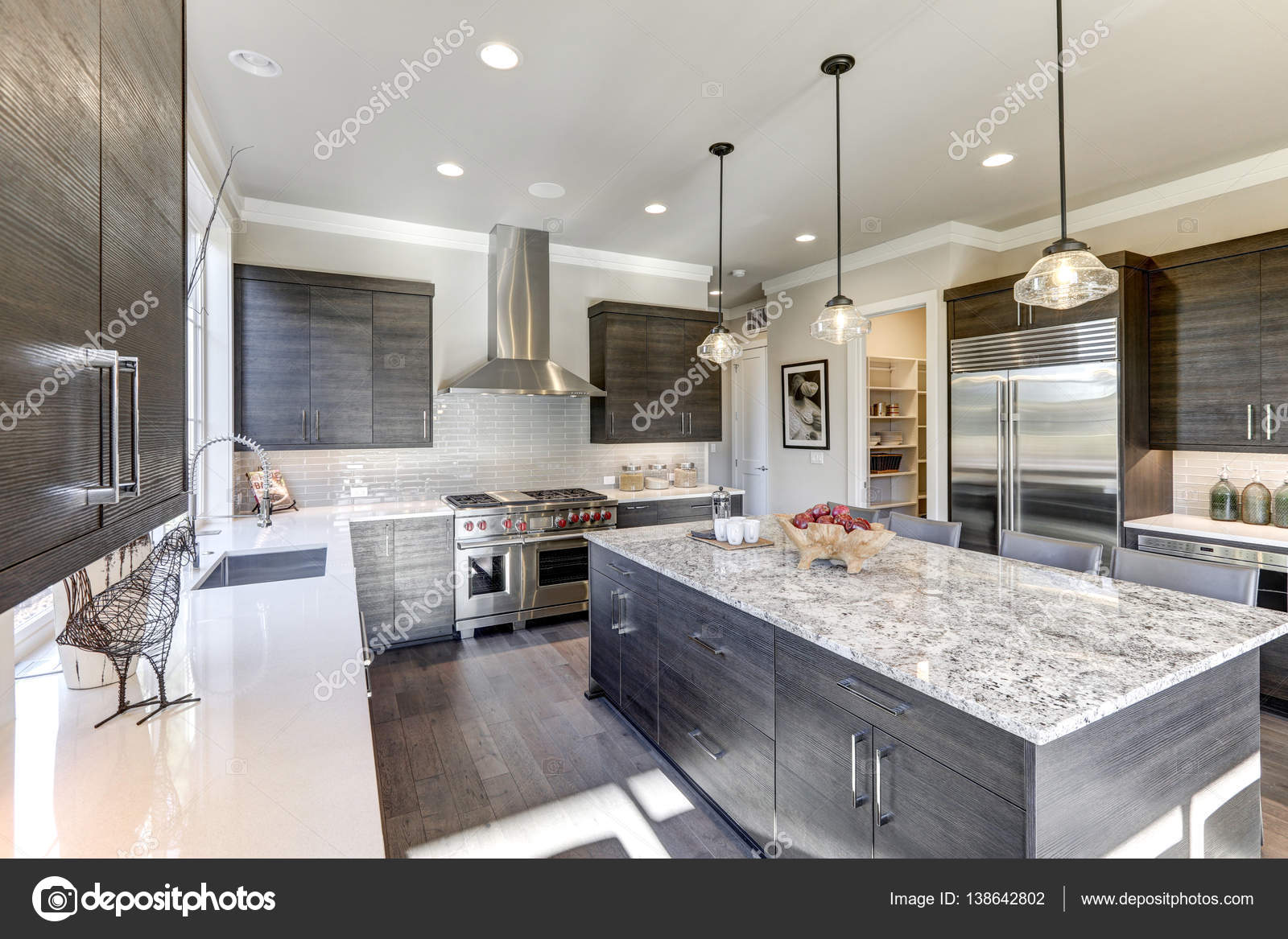 Images: gray kitchen cabinets | Modern gray kitchen ...