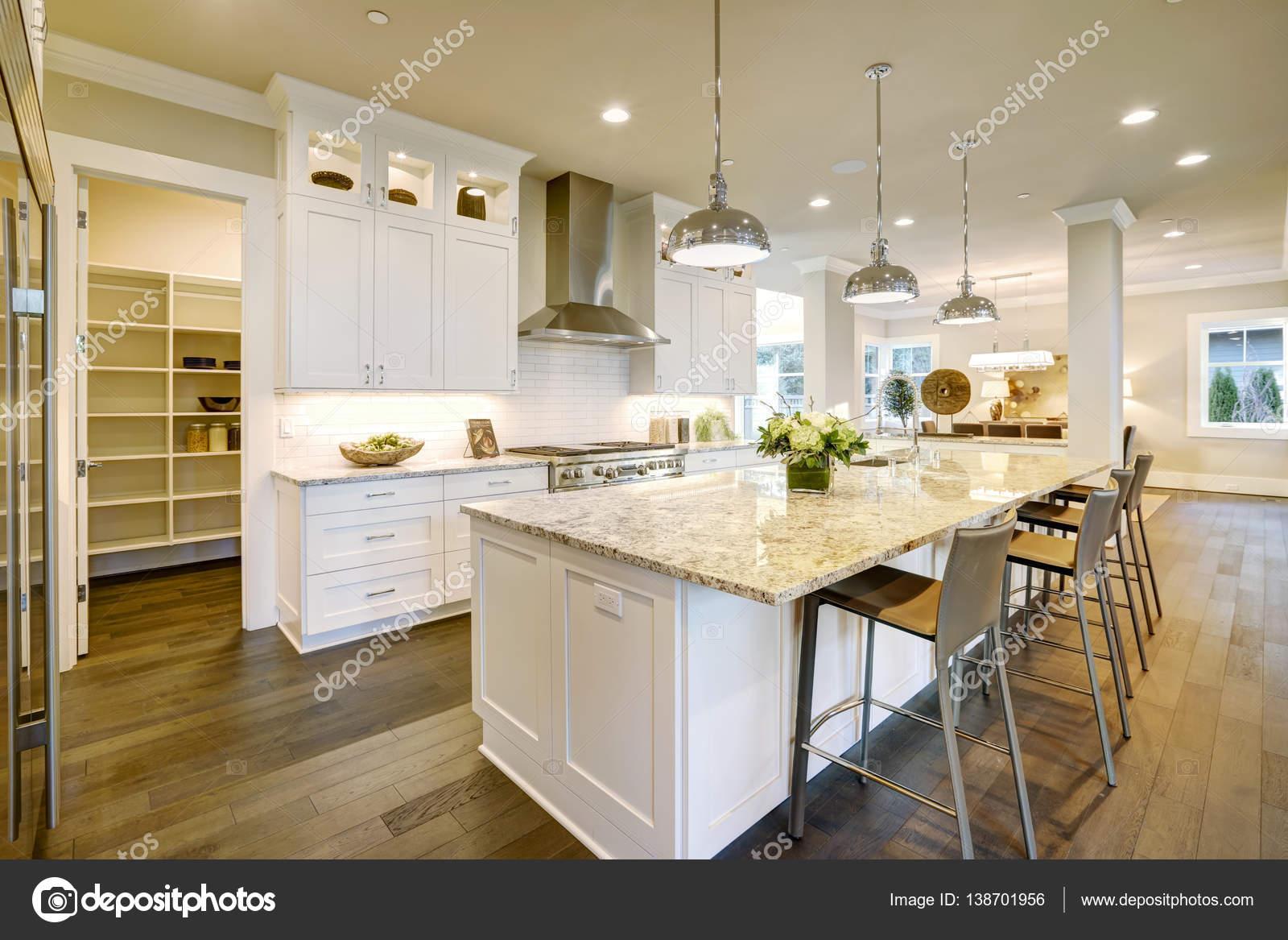 White kitchen design in new luxurious home — Stock Photo © iriana88w ...