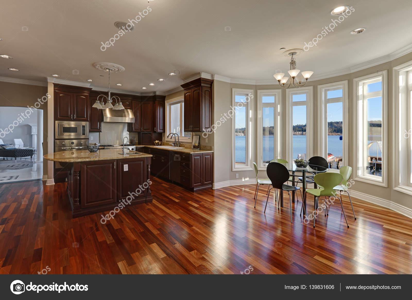 Luxus innenausstattung haus  Grundriss Innenausstattung von Luxus am Wasser Haus — Stockfoto ...