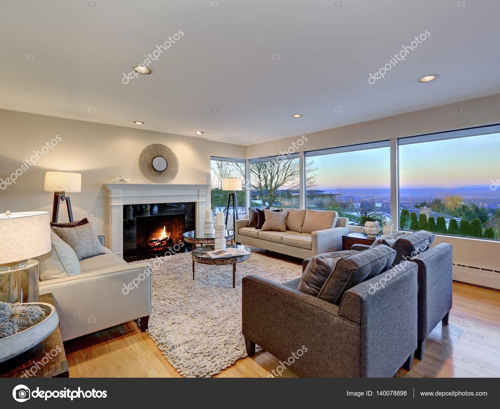 Warmes Licht Braun Wohnzimmer Mit Panorama Fenster Ansicht U2014 Stockfoto