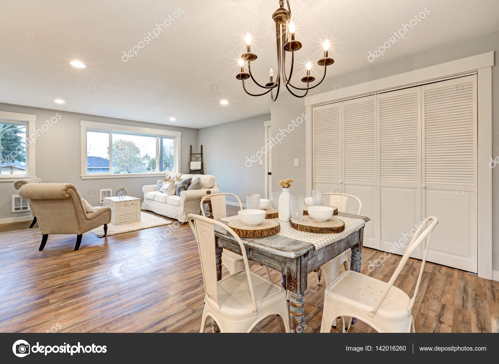 Newly remodeled one story craftsman home interior. — Stock Photo ...