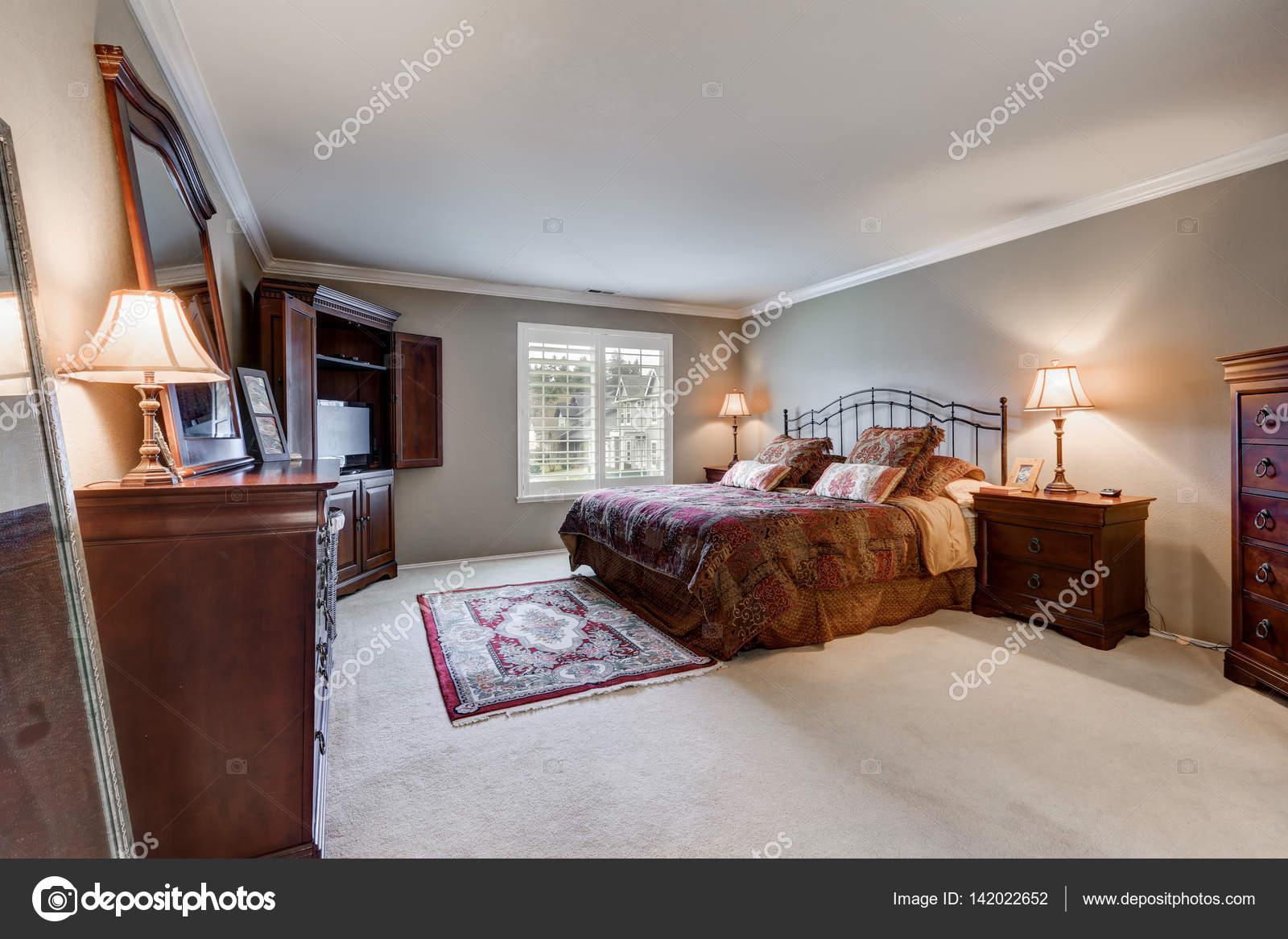 Slaapkamer Meubels Set : Slaapkamer interieur met vintage meubels set u stockfoto