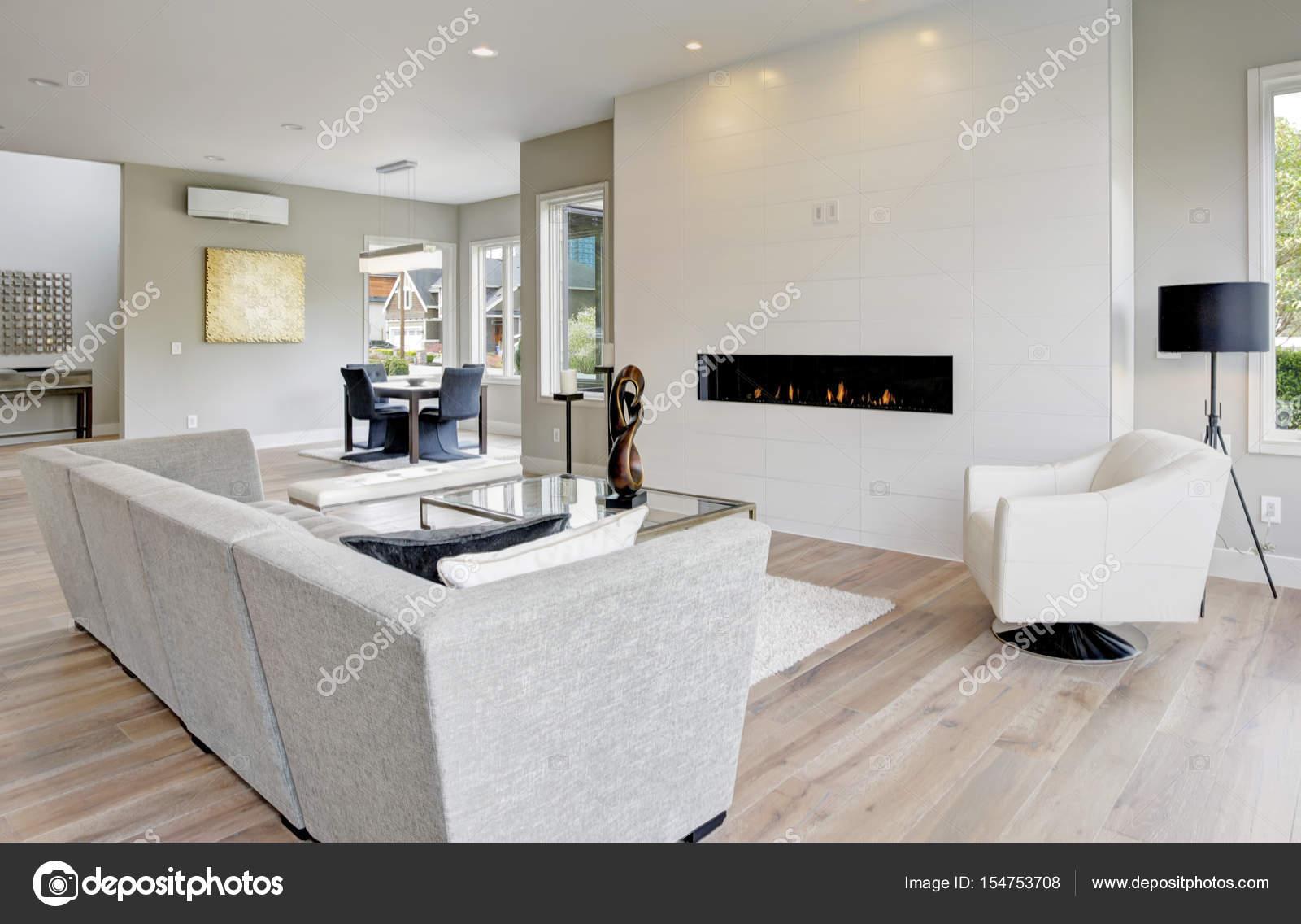 Wohnzimmer im modernen Stil — Stockfoto © iriana88w #154753708