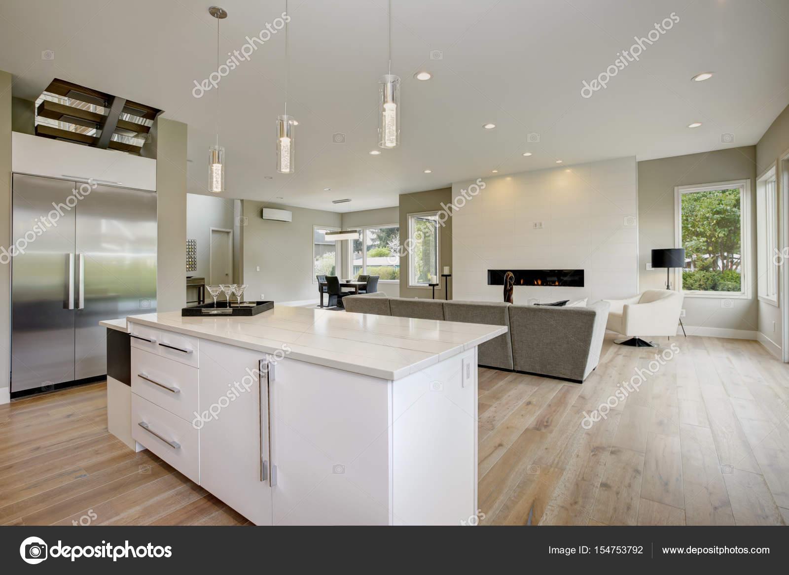 Astonishing Luxus Küche Photo Of -küche In Ein Nagelneues — Stockfoto