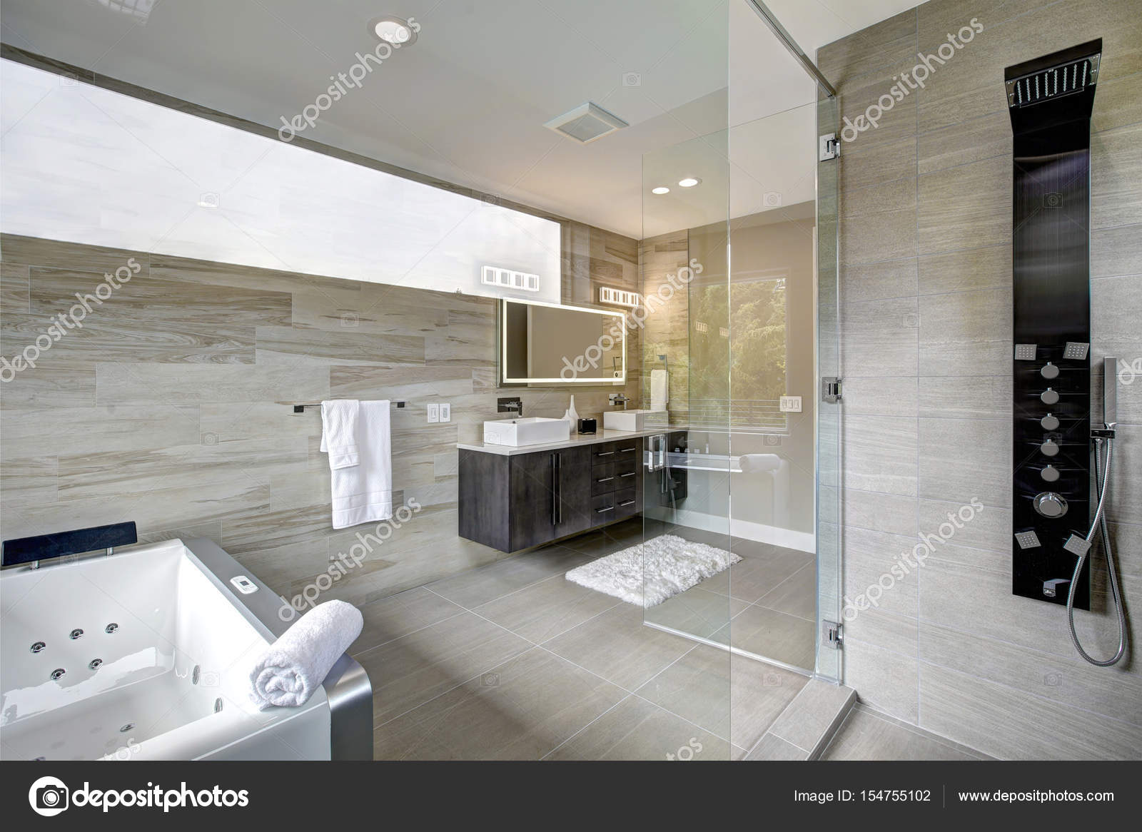Modern Badkamer Interieur : Moderne badkamer interieur u stockfoto iriana w