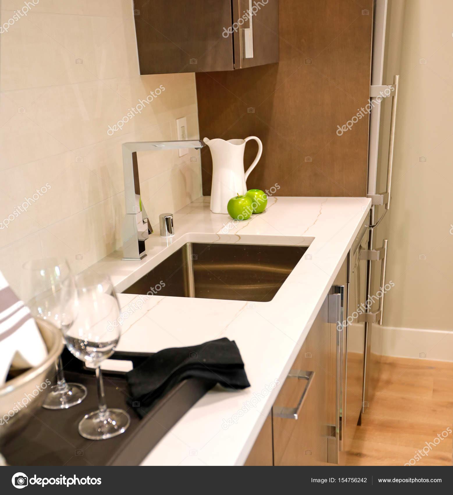 Mobile Bar Design Moderno.Family Room Design With Wet Bar Nook Stock Photo