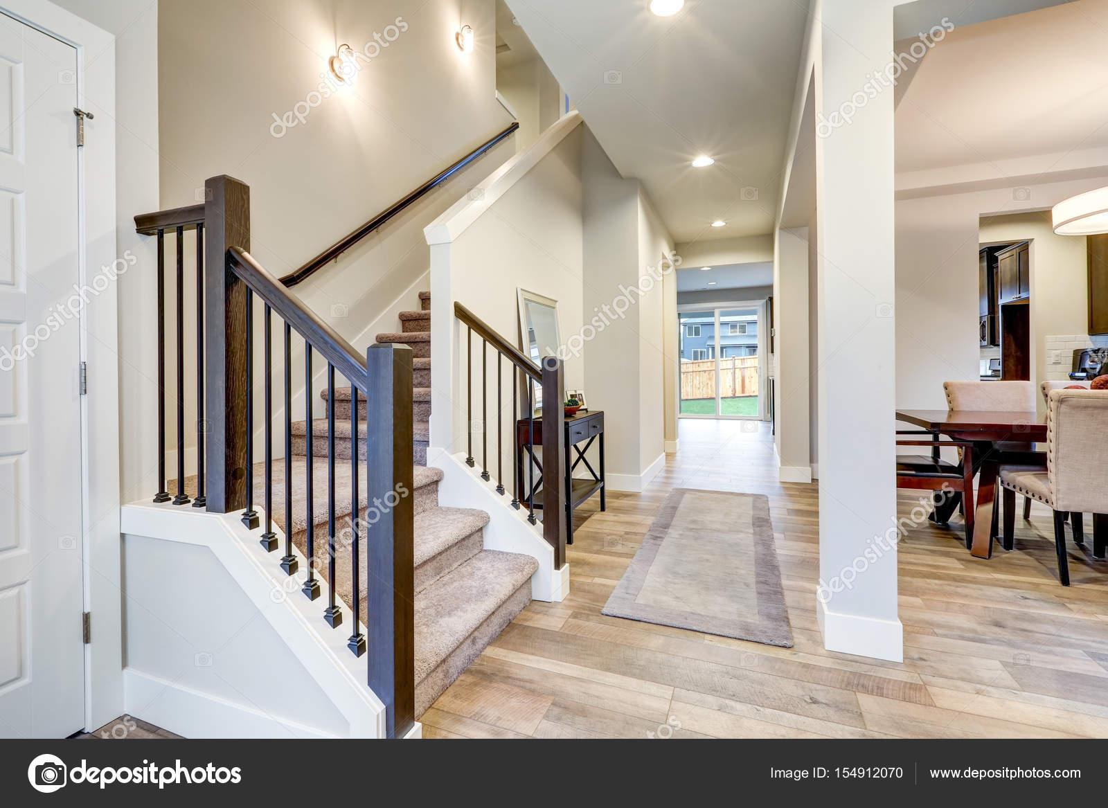 Nouvel Intérieur De Maison De Luxe Avec Plan D étage Ouvert