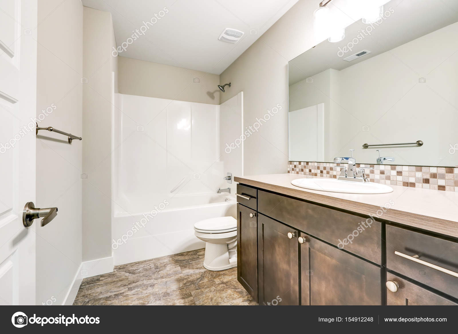 - White Bathroom Interior With Brown Vanity Cabinet — Stock Photo