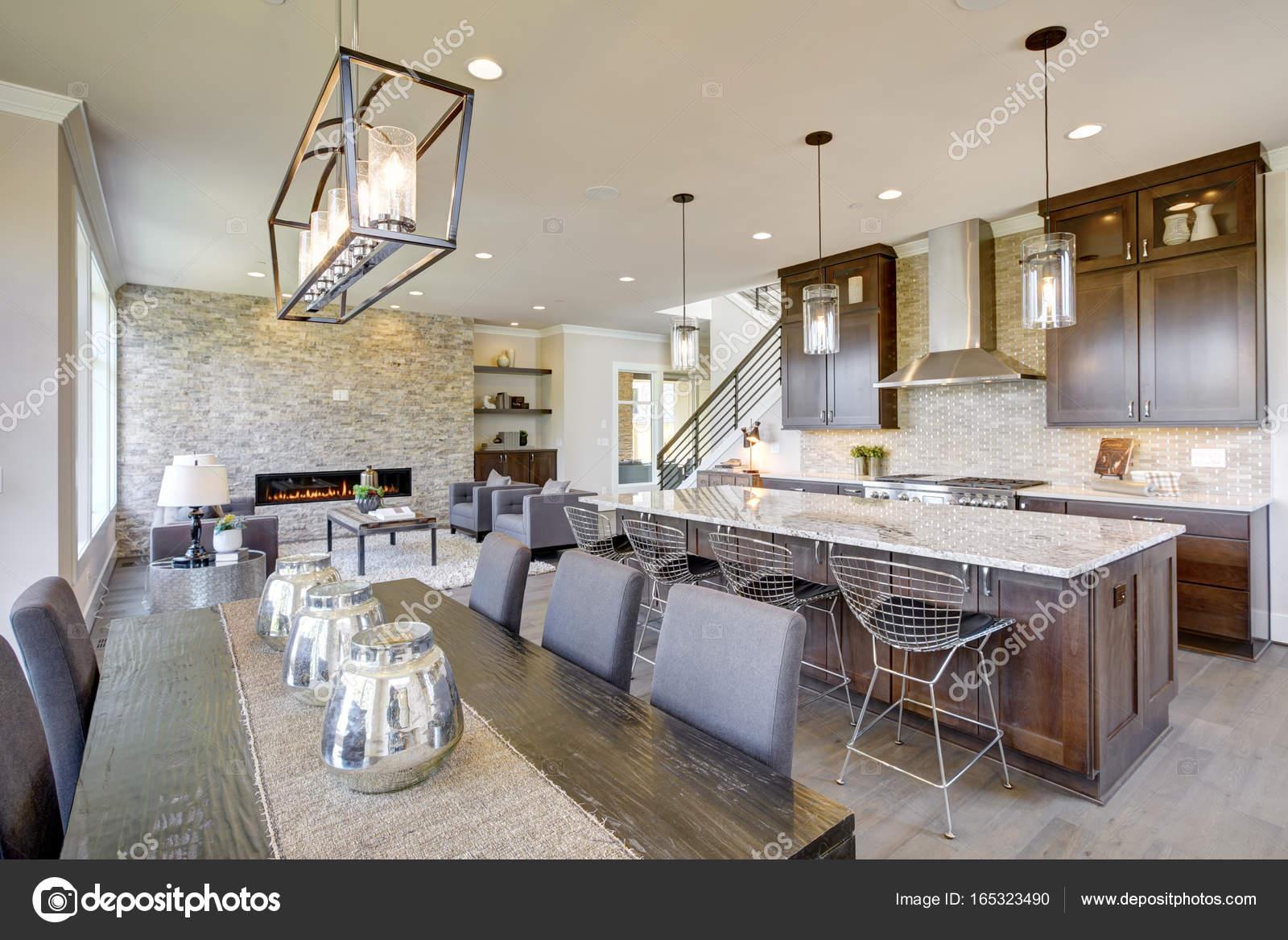 Keuken Nieuwbouw Open : Luxe nieuwbouw met open keuken interieur u2014 stockfoto © iriana88w