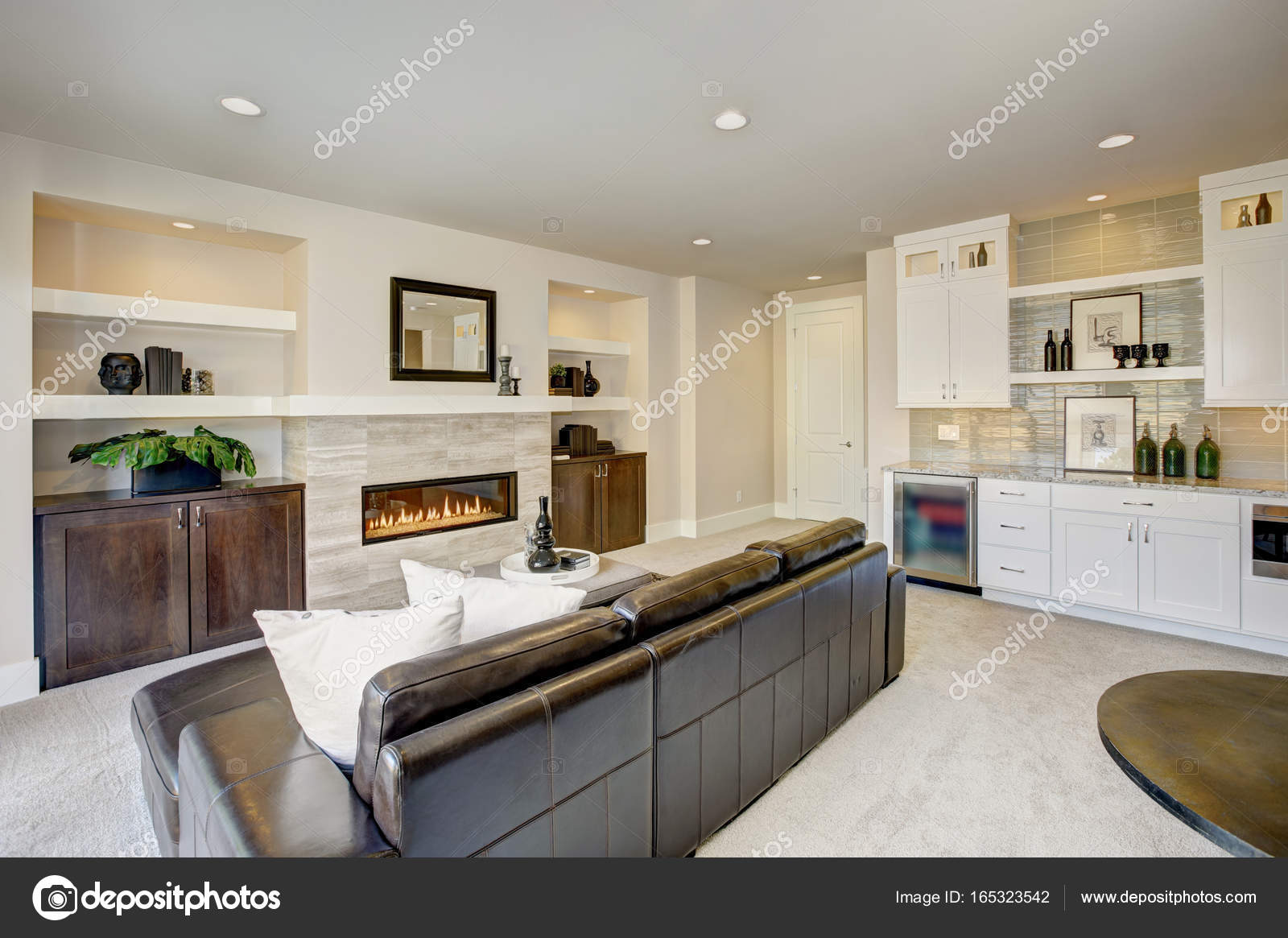 Family Room Design With Wet Bar Nook U2014 Stock Photo