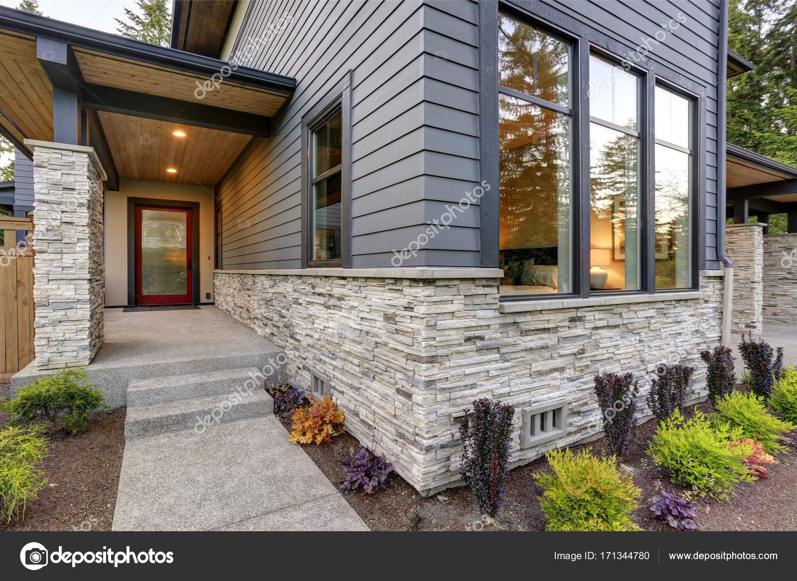 Rivestimento Esterno Casa Moderna : Casa lussuosa design con moderne frenare ricorso a bellevue u2014 foto