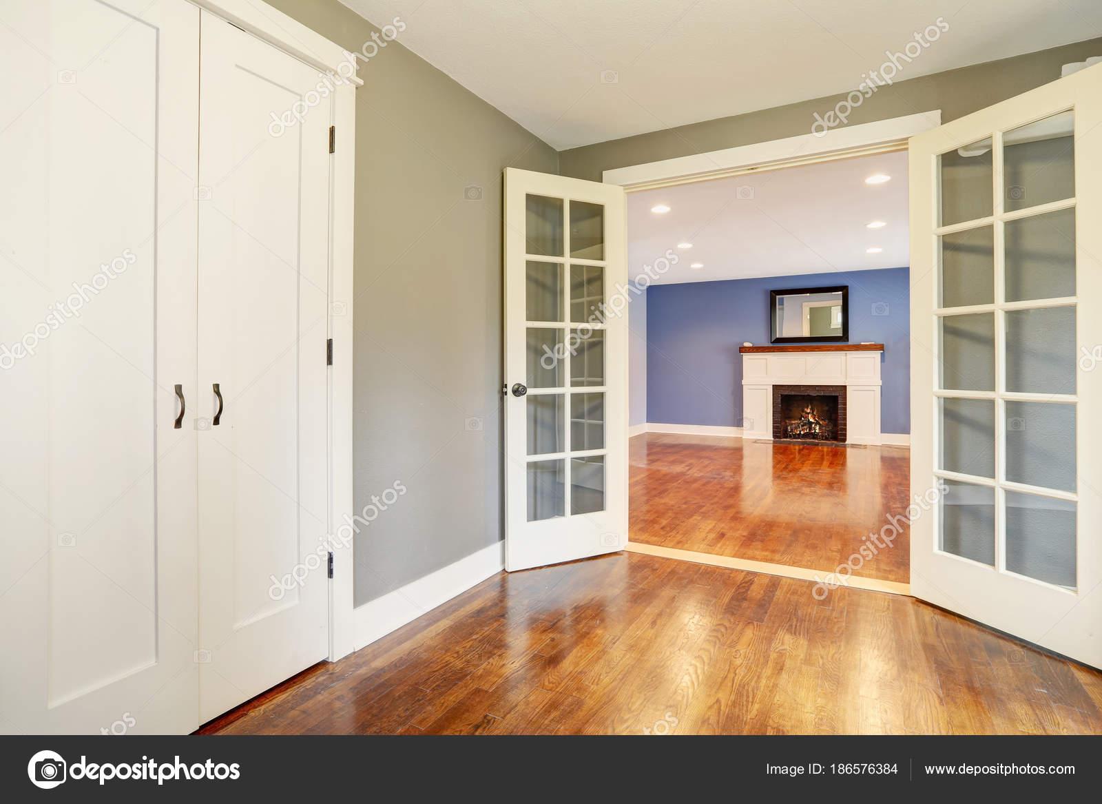 Interior Casa Recien Remodelada Con Pisos De Madera Pulido Foto De