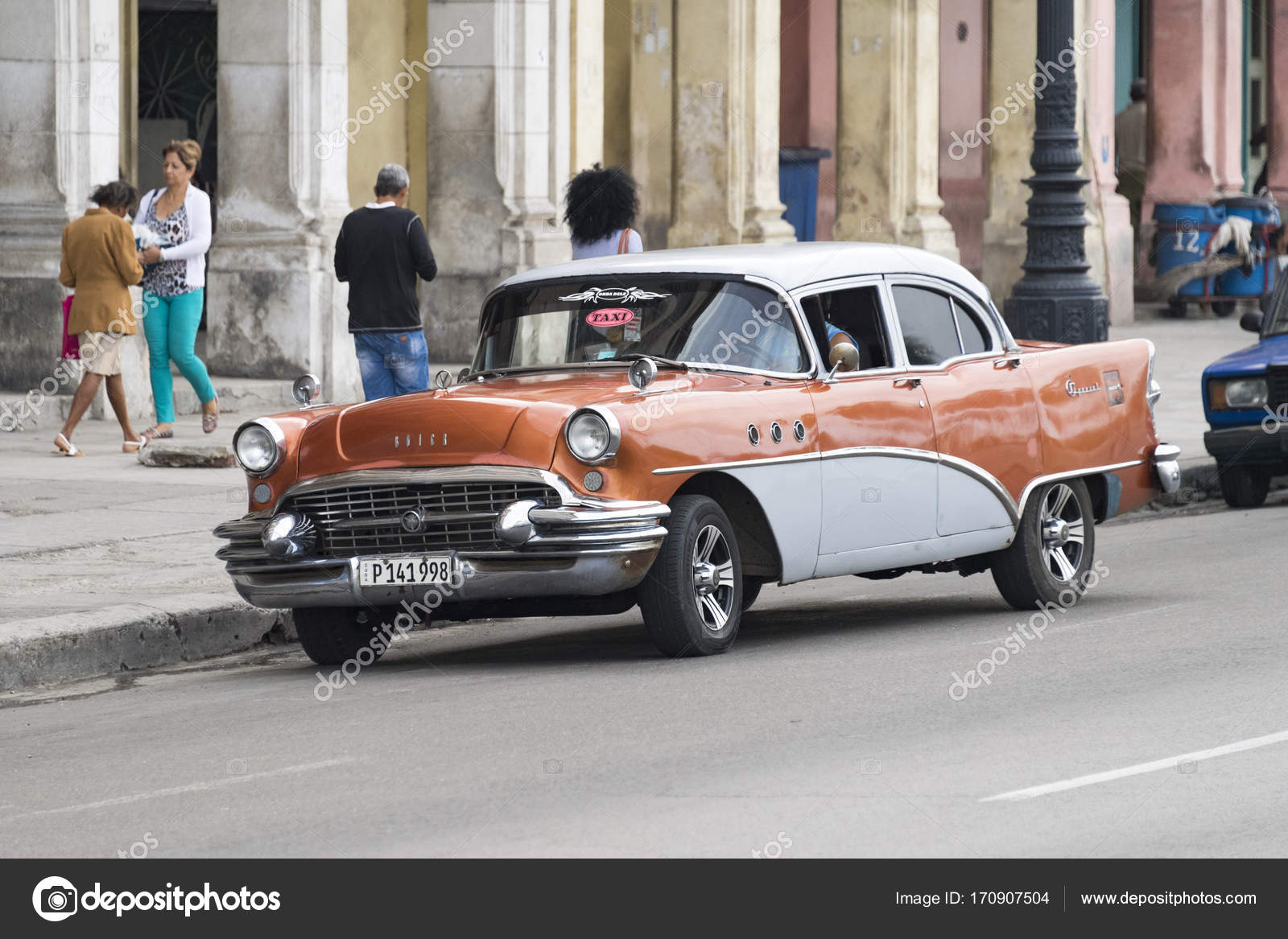 Pictures of Cuba: old vintage cars in action – Stock Editorial Photo ...
