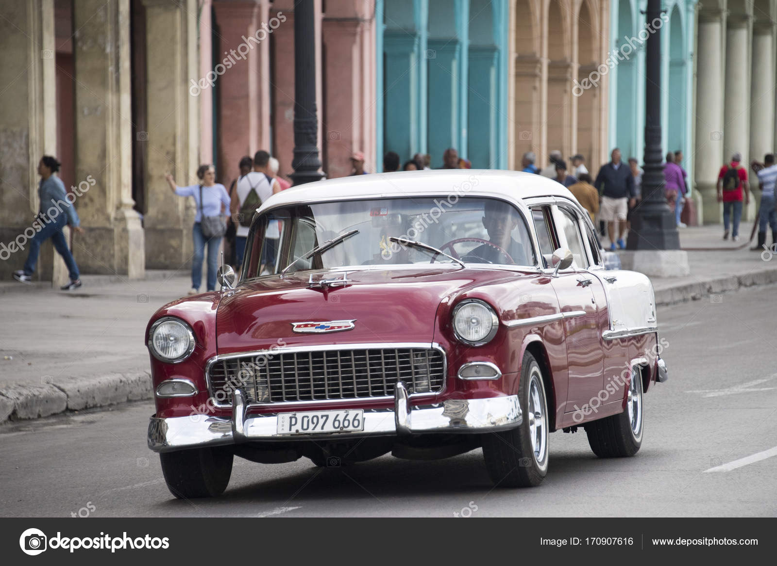 Pictures Of Cuba Old Vintage Cars In Action Stock Editorial Photo