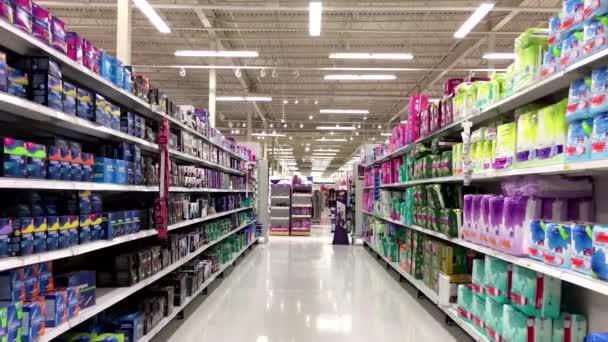 Dámské produkty koridor v supermarket