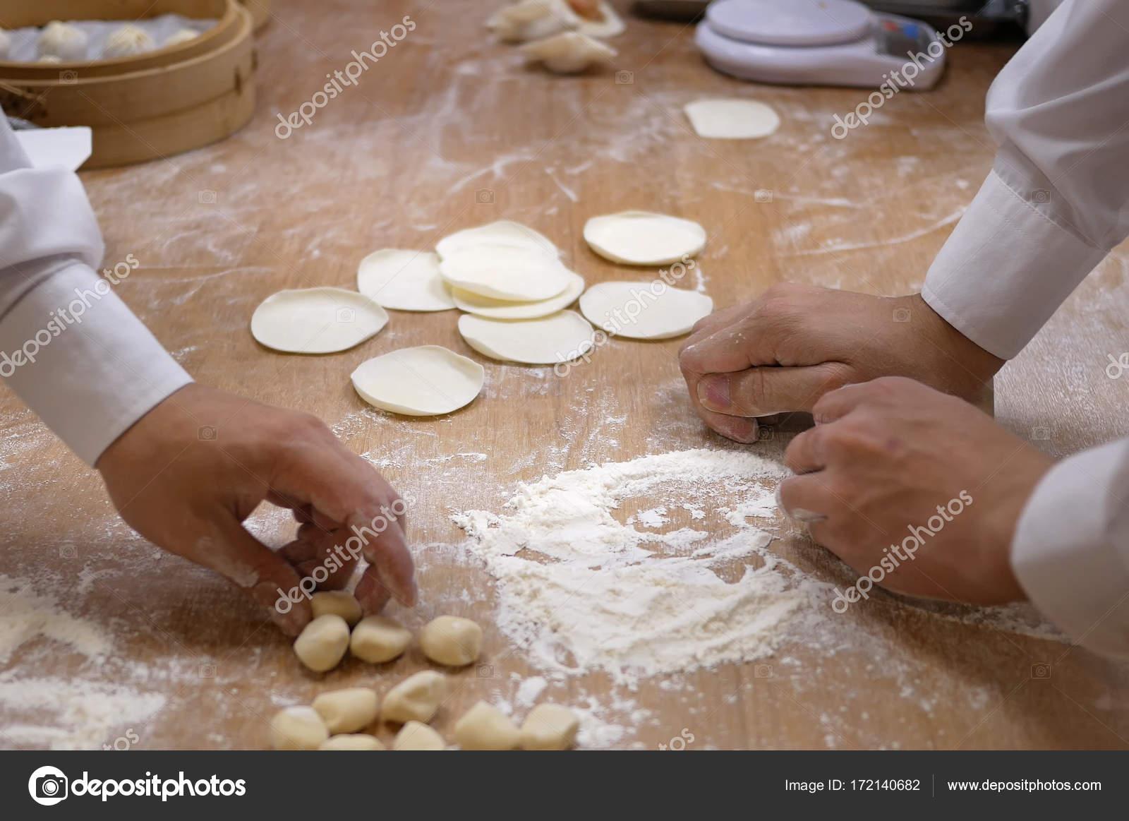 Домашние пельмени своими руками: пошаговый рецепт - KitchenMag 80